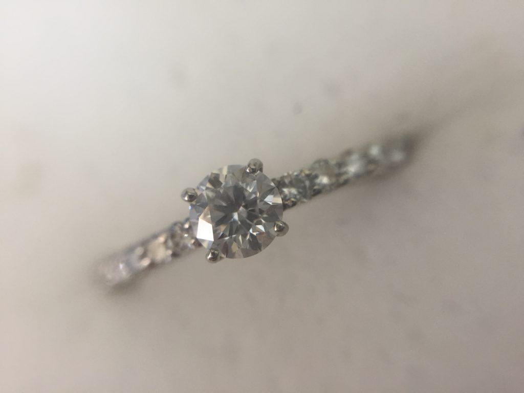 ダイヤモンドの指輪をお譲り頂きました。