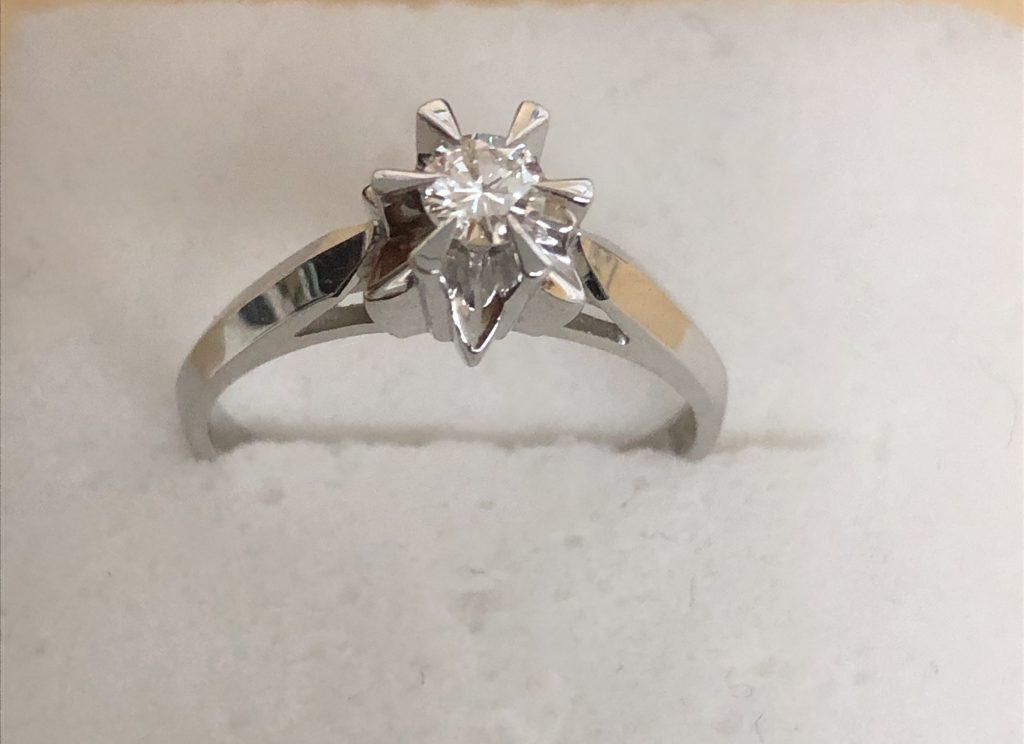 ダイヤモンド付き指輪を買取致しました